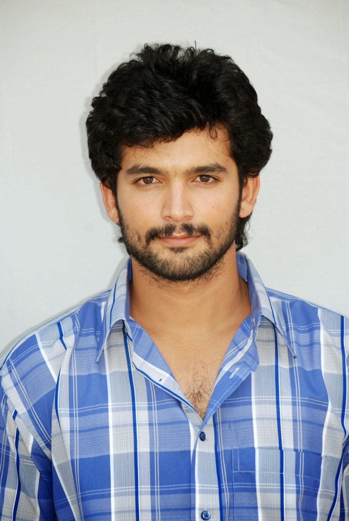 Diganth Wiki, Age, Family, Movies, HD Photos, Biography, and More 3
