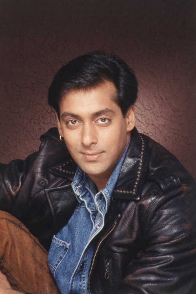 Salman Khan Wiki, Age, Family, Movies, HD Photos, Biography, and More 2
