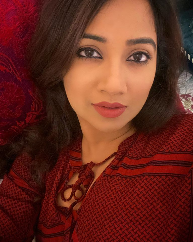 Shreya Ghoshal Wiki, Age, Family, Movies, HD Photos, Biography, and More 94
