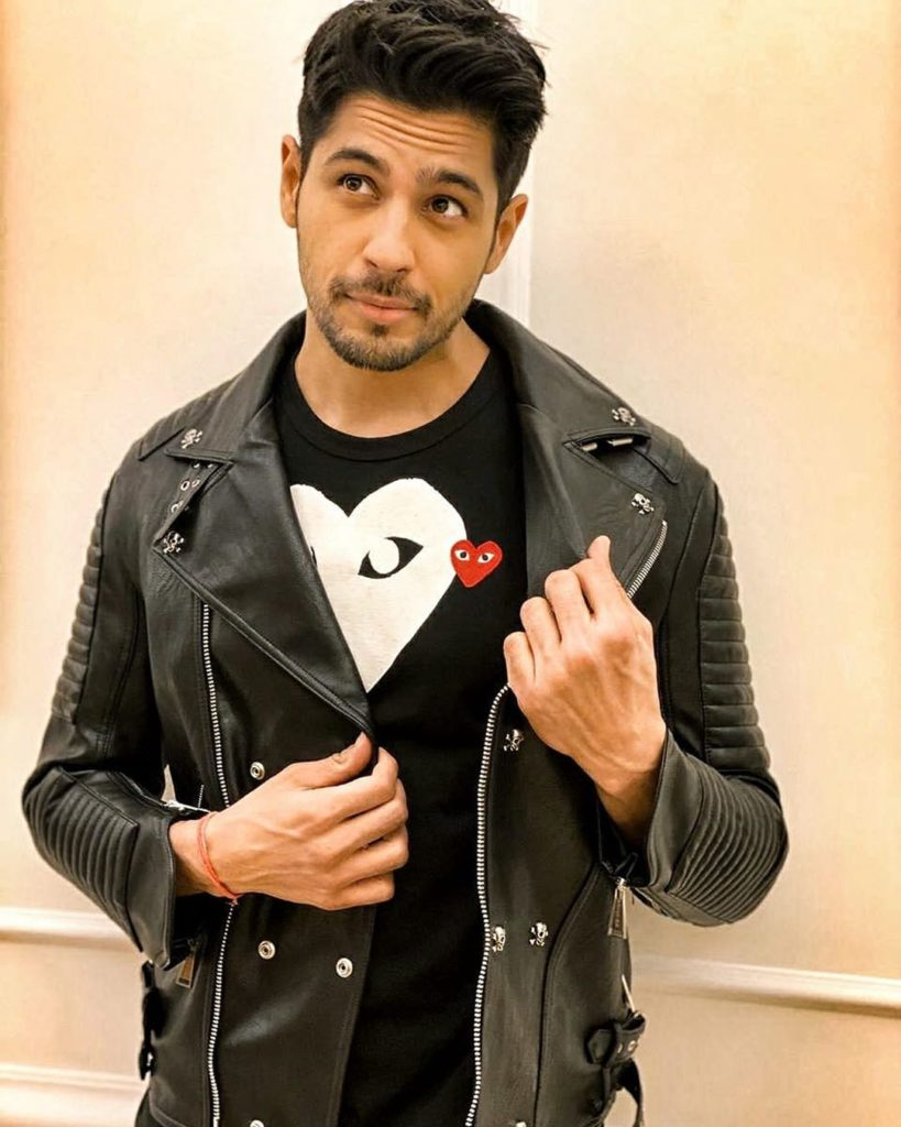 Sidharth Malhotra Wiki, Age, Family, Movies, HD Photos, Biography, and More 12