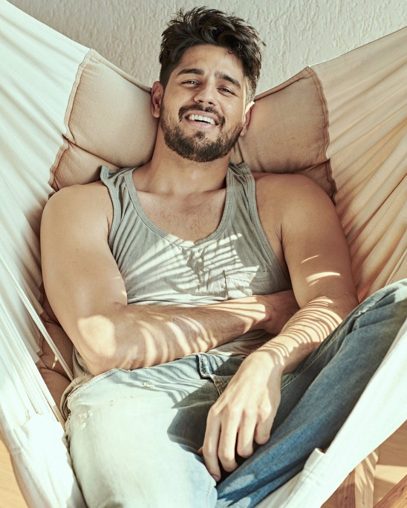 Sidharth Malhotra Wiki, Age, Family, Movies, HD Photos, Biography, and More 6