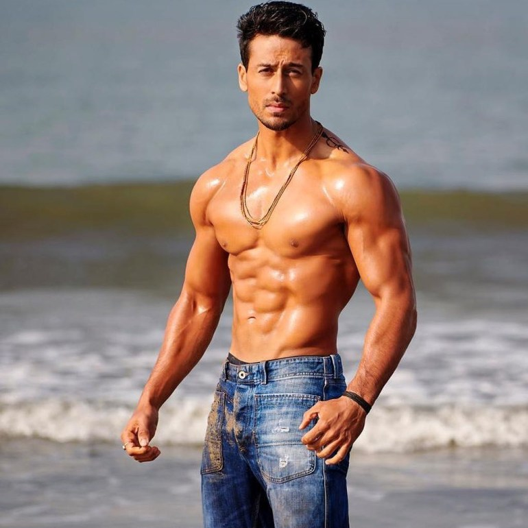 Tiger Shroff Wiki, Age, Family, Movies, HD Photos, Biography, and More 86