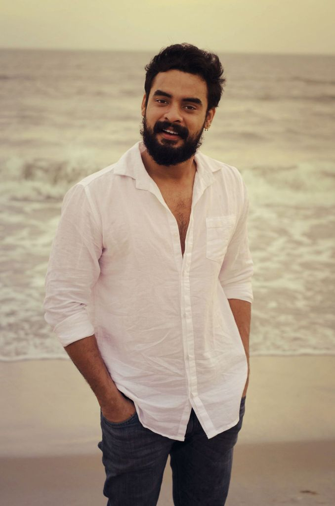 Tovino Thomas Wiki, Age, Family, Movies, HD Photos, Biography, and More 98