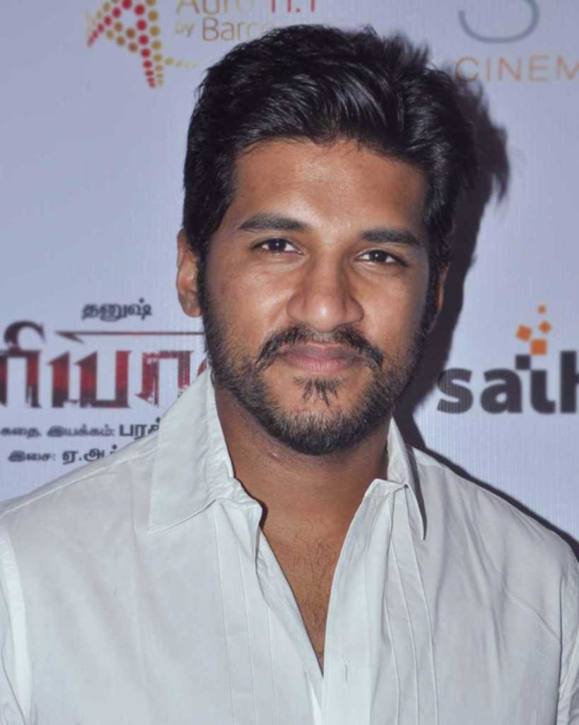 Vijay Yesudas Wiki, Age, Family, Movies, HD Photos, Biography, and More 2