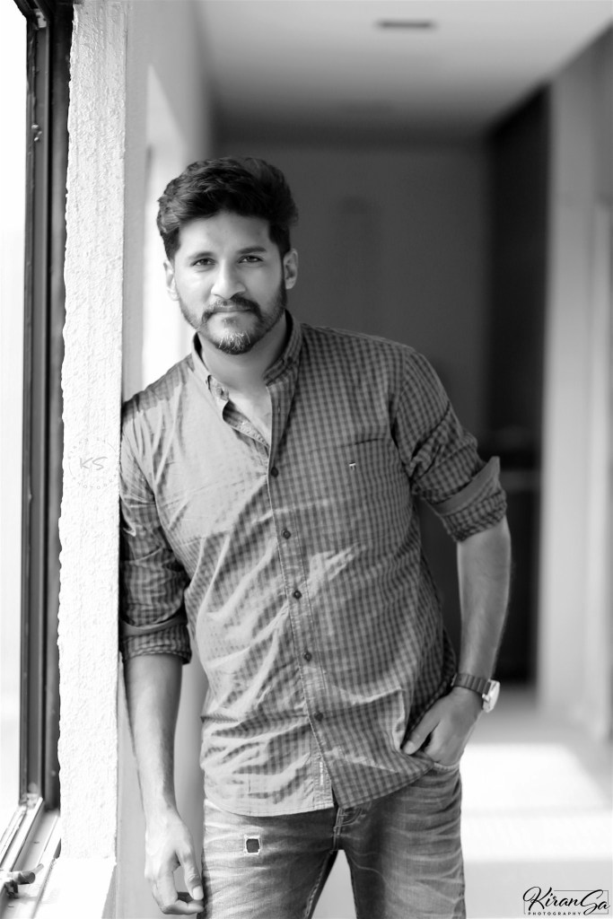 Vijay Yesudas Wiki, Age, Family, Movies, HD Photos, Biography, and More 90
