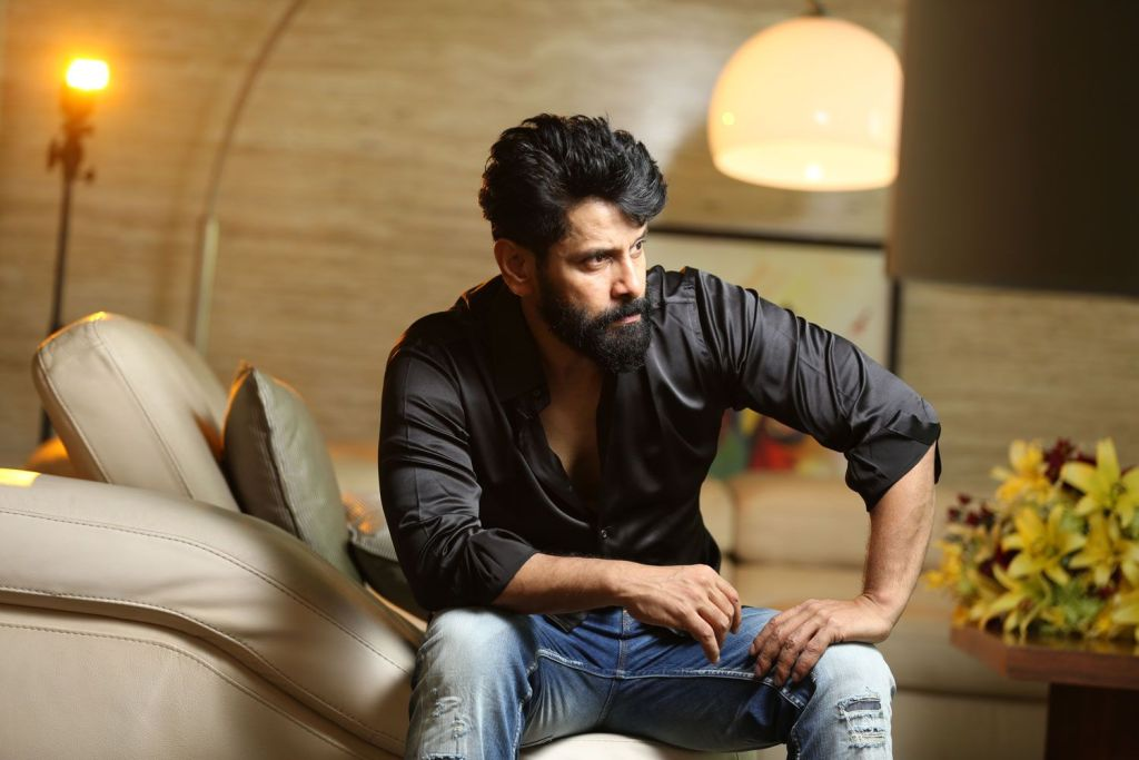 Vikram Wiki, Age, Family, Movies, HD Photos, Biography, and More 107