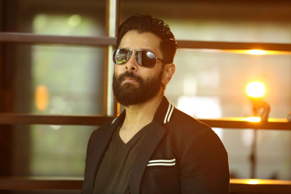 Vikram Wiki, Age, Family, Movies, HD Photos, Biography, and More 108