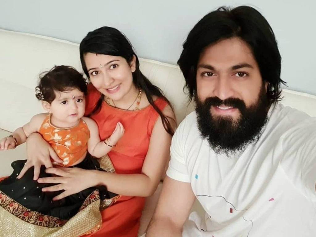 Yash Wiki, Age, Family, Movies, HD Photos, Biography, and More 5