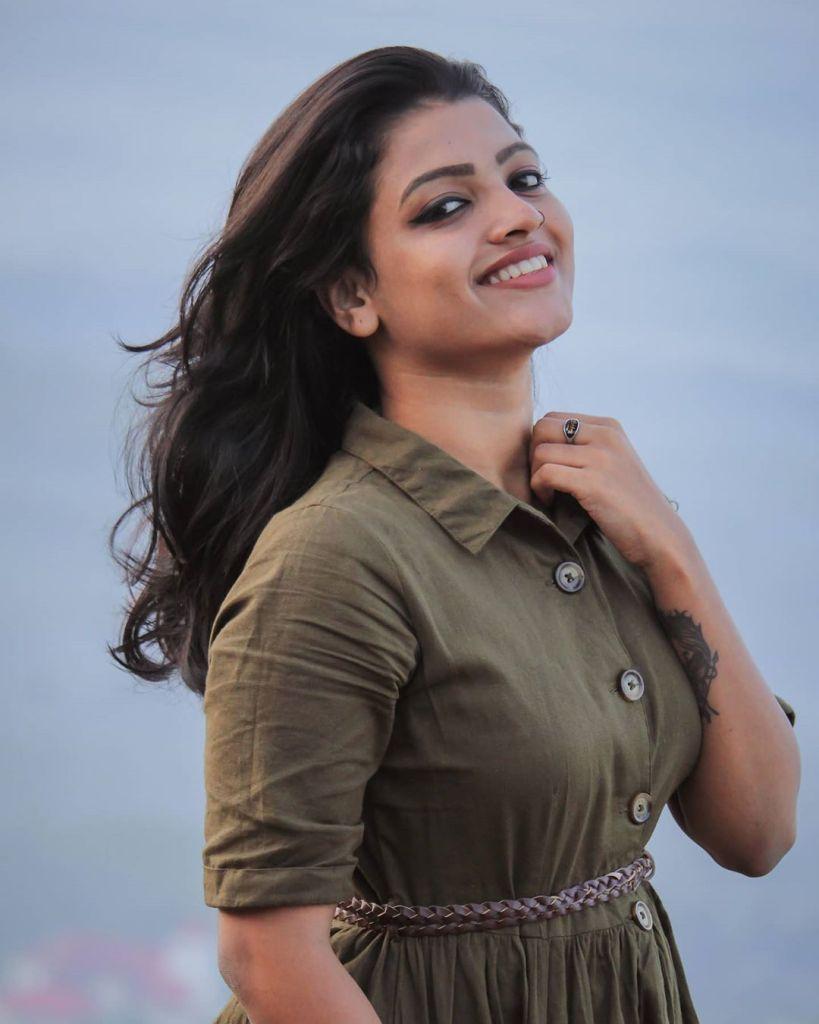 Aishwarya Rai's doppelganger, Kerala Tik Tok Star Amrutha Saju Gorgeous Photos 56