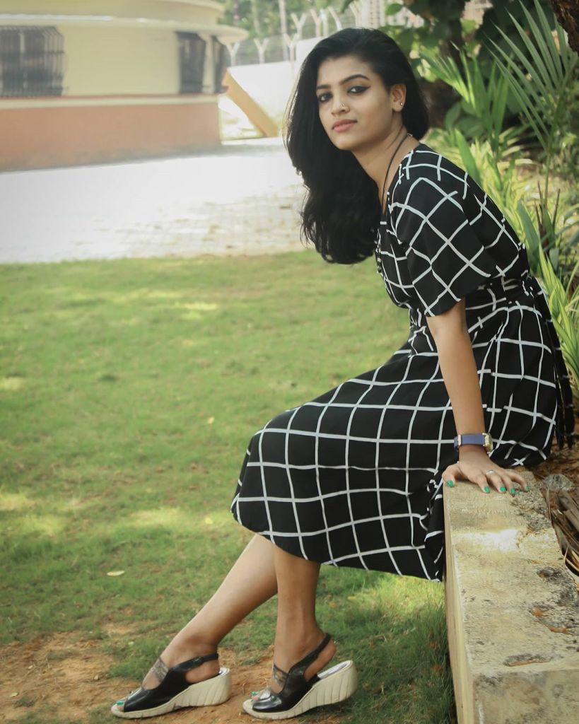 Aishwarya Rai's doppelganger, Kerala Tik Tok Star Amrutha Saju Gorgeous Photos 59