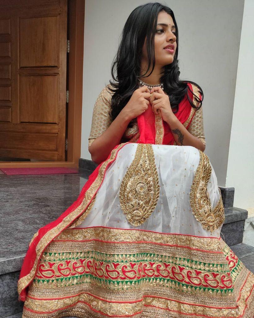 Aishwarya Rai's doppelganger, Kerala Tik Tok Star Amrutha Saju Gorgeous Photos 64