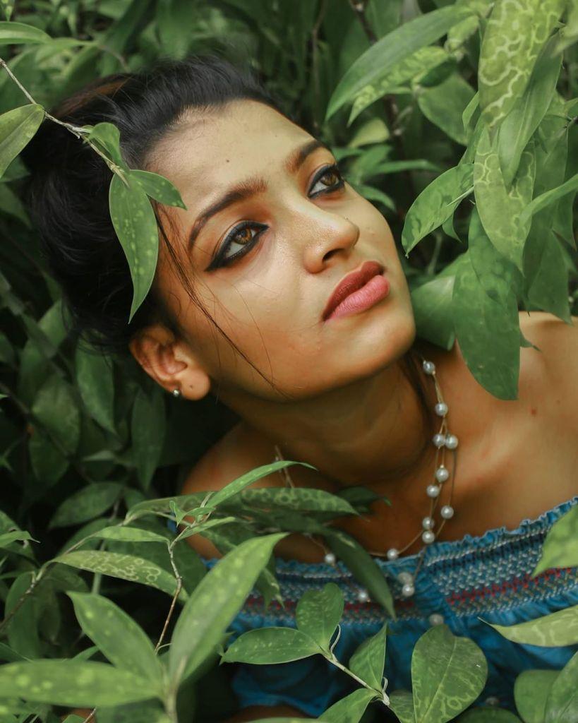 Aishwarya Rai's doppelganger, Kerala Tik Tok Star Amrutha Saju Gorgeous Photos 49