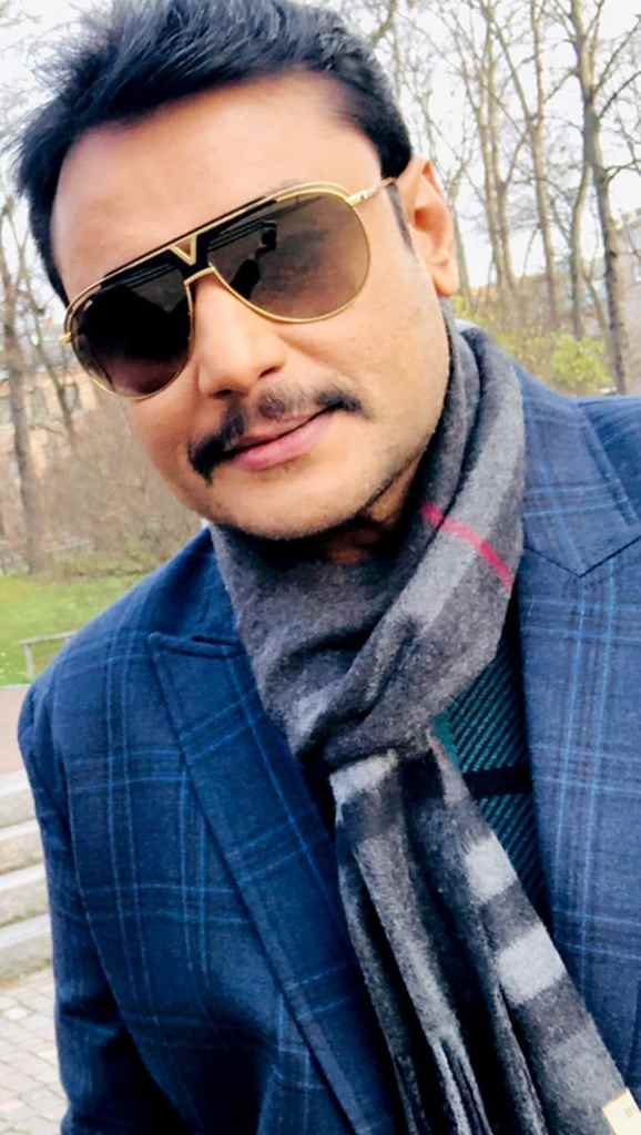 Darshan Wiki, Age, Family, Movies, HD Photos, Biography, and More 5