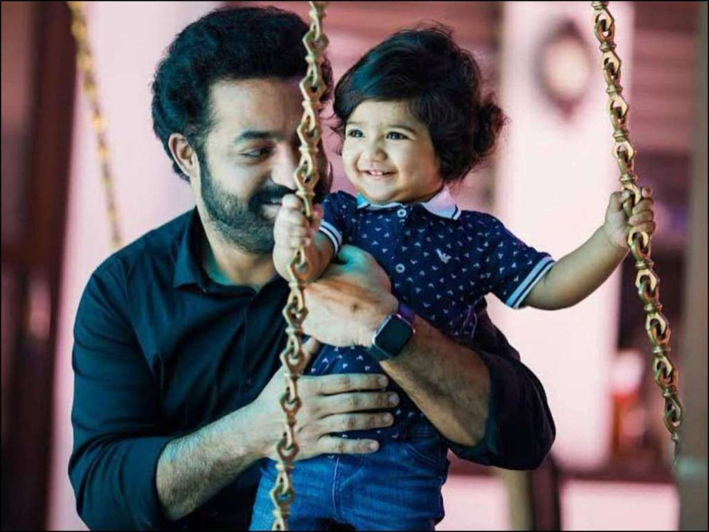 Jr NTR (Nandamuri Taraka Rama Rao) Wiki, Age, Family, Movies, HD Photos, Biography, and More 4