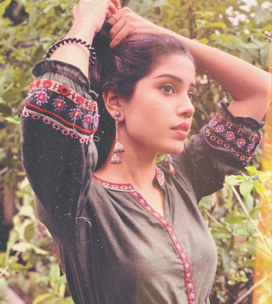 45+ Gorgeous Photos of Miss South India Lakshmi Menon 19