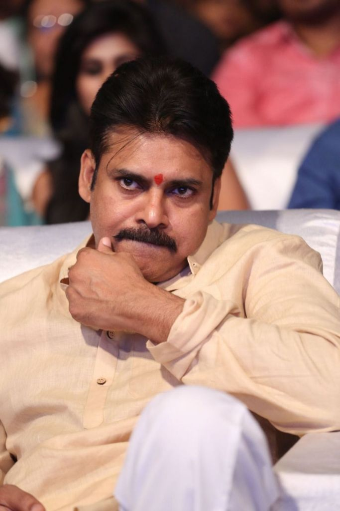 Pawan Kalyan Wiki, Age, Family, Movies, HD Photos, Biography, and More 11
