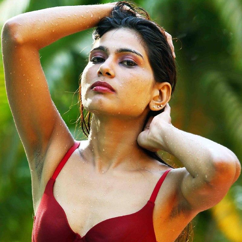 15+ Gorgeous Photos of Rehana Fathima 5