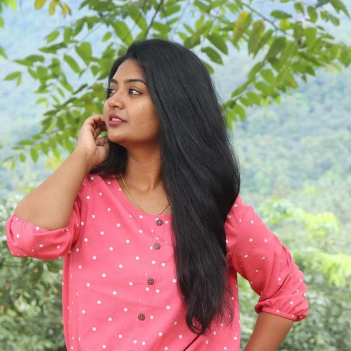 The Simply Kerala Youtuber Unni Maya - SimplyMyStyle!! Unni Wiki, Age, Biography, Youtube, and Beautiful Photos 8