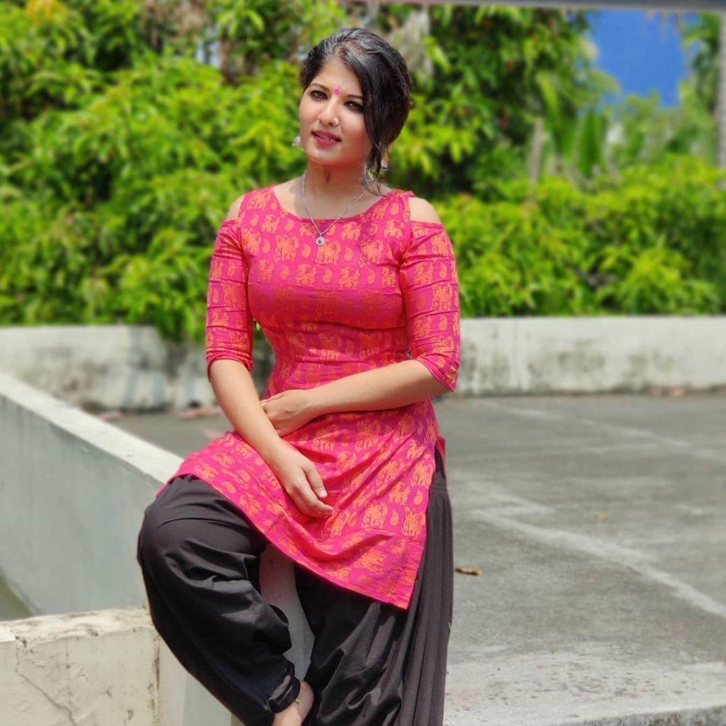 42+ Gorgeous Photos of Aswathy S Nair 13