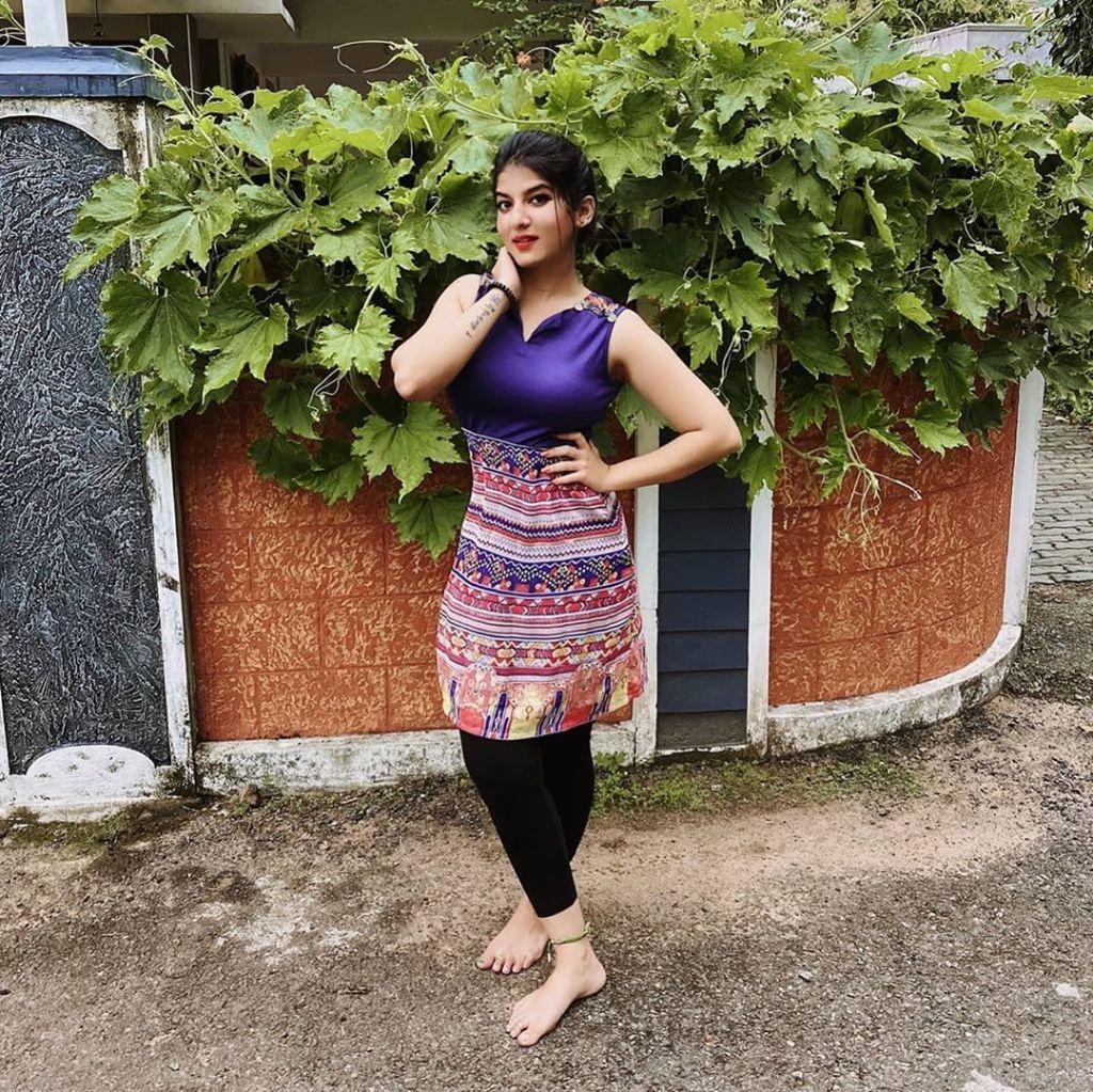 42+ Gorgeous Photos of Aswathy S Nair 40
