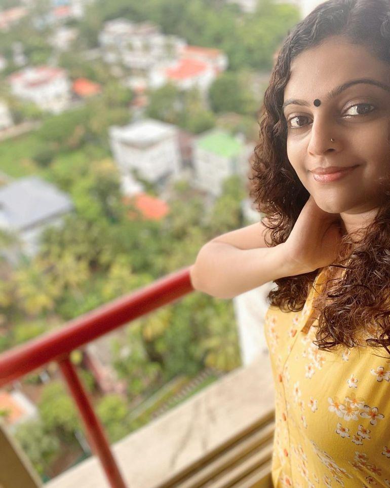 Aswathy Sreekanth 24+ Beautiful Photos, Wiki, Age, Biography, and Movies 86