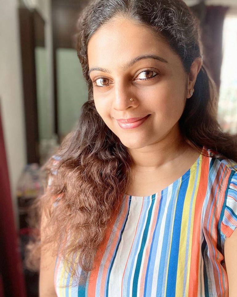 Aswathy Sreekanth 24+ Beautiful Photos, Wiki, Age, Biography, and Movies 90