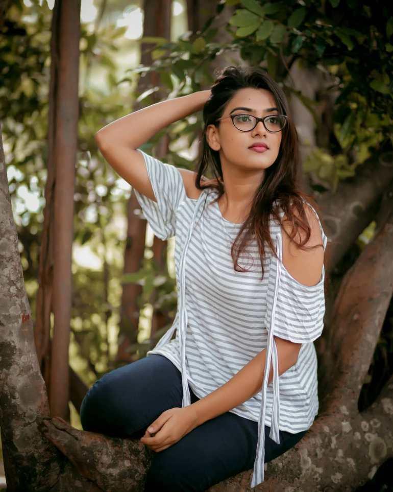 Dayyana Hameed 27+ Beautiful Photos, Wiki, Age, Biography, and Movies 94