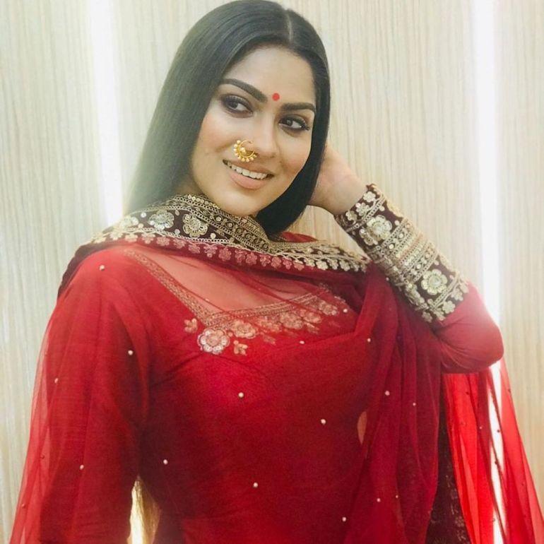 Swasika Vijay 27+ Beautiful Photos, Wiki, Age, Biography, and Movies 97