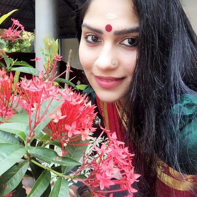Swasika Vijay 27+ Beautiful Photos, Wiki, Age, Biography, and Movies 102