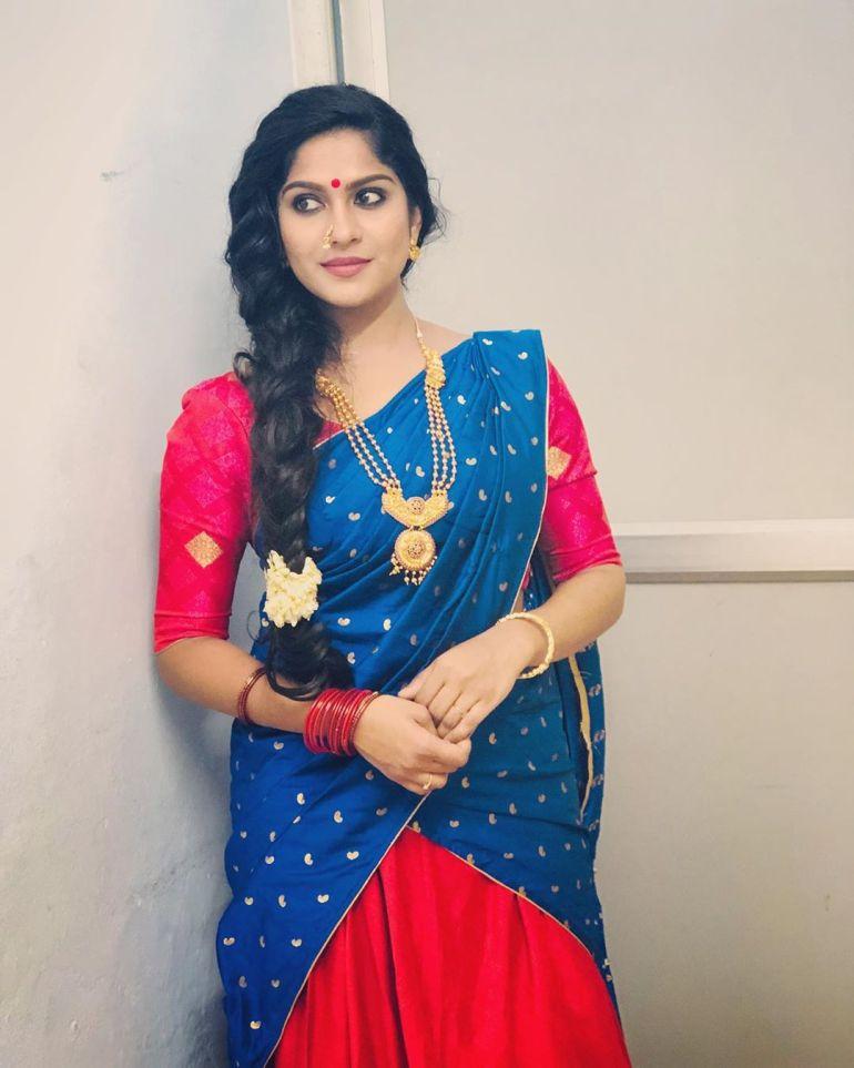 Swasika Vijay 27+ Beautiful Photos, Wiki, Age, Biography, and Movies 89