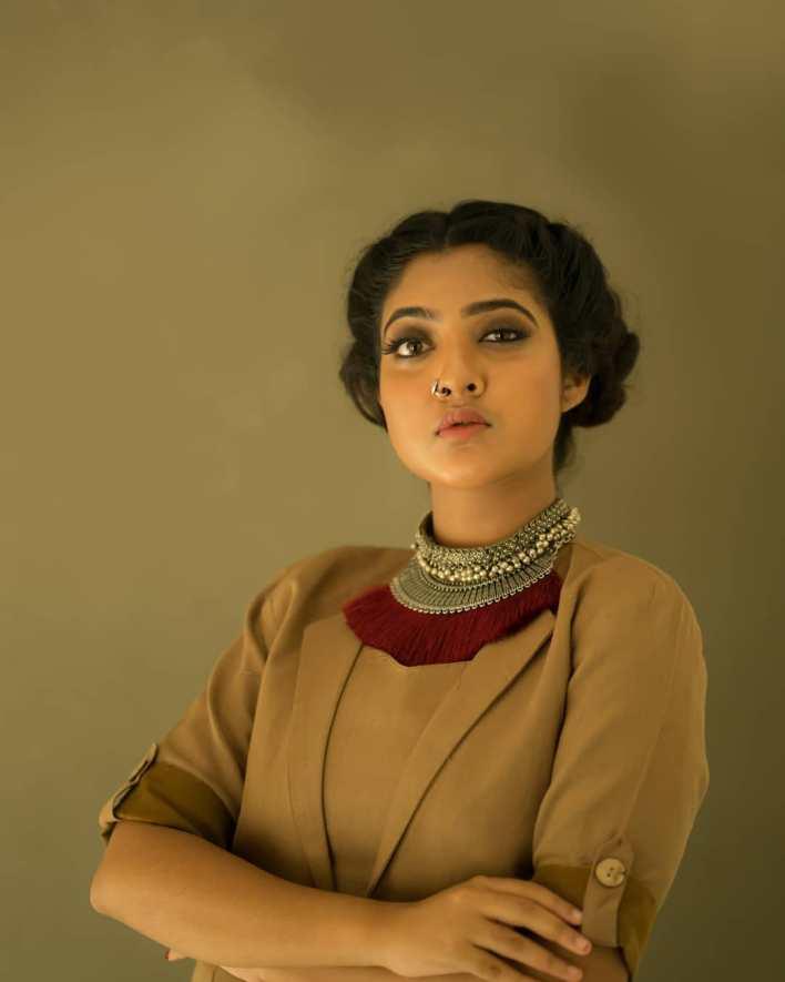 21+ Lovely Photos of Nandana Varma 16