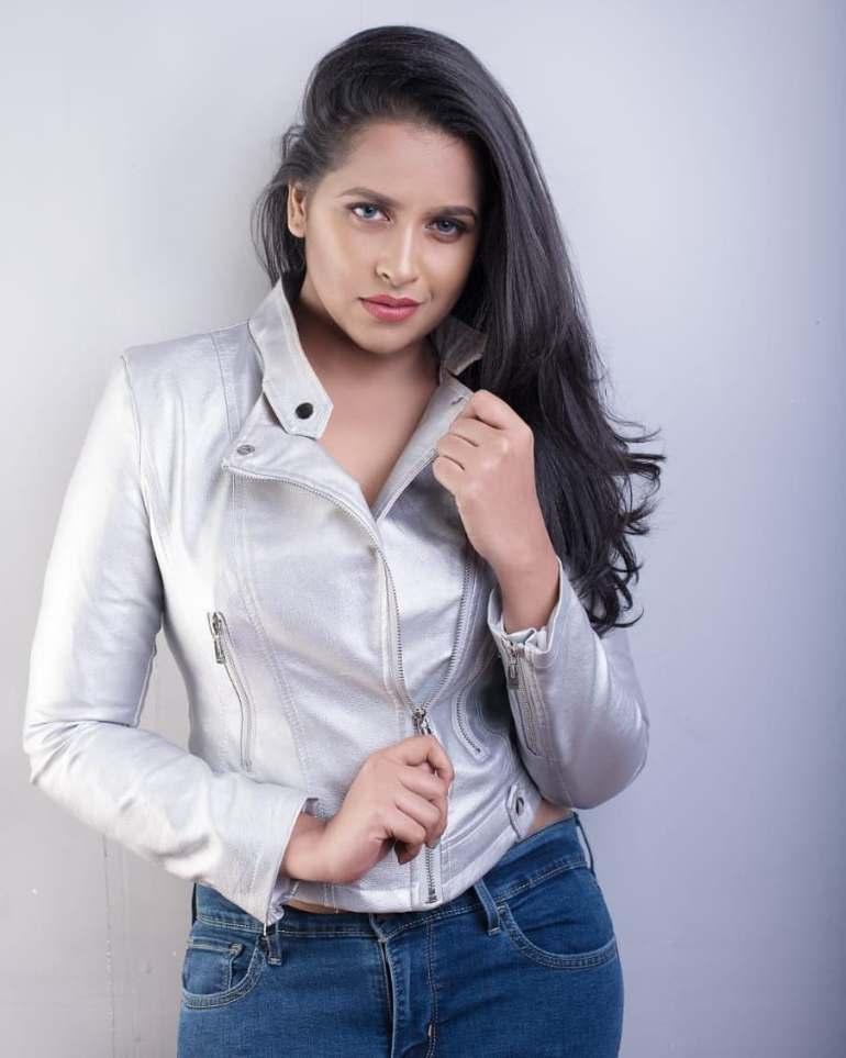 Sadhika Venugopal 39+ Beautiful Photos, Wiki, Age, Biography, and Movies 49