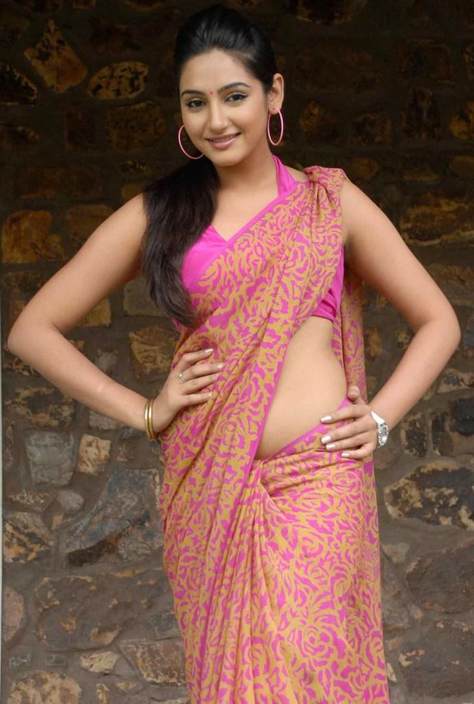 36+ Beautiful Photos of Ragini Dwivedi 16