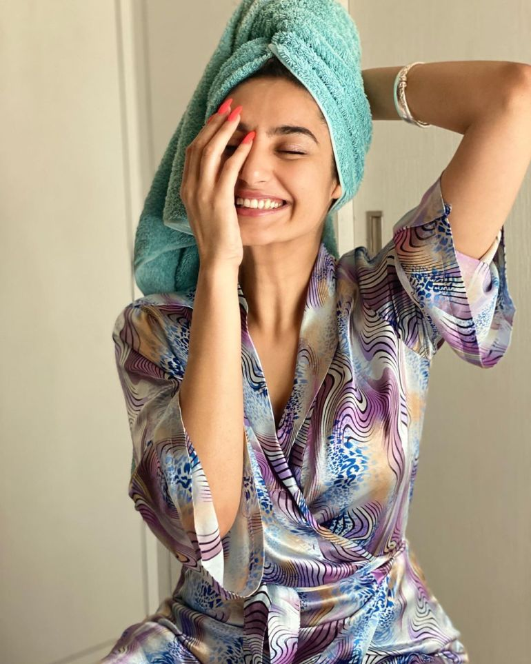 36+ Beautiful Photos of Ragini Dwivedi 27