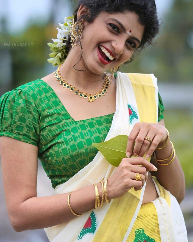 Shruthi Rajanikanth (Sruthi Rajanikanth) Wiki, Age, Biography, Movies, Serial and Beautiful Photos 98