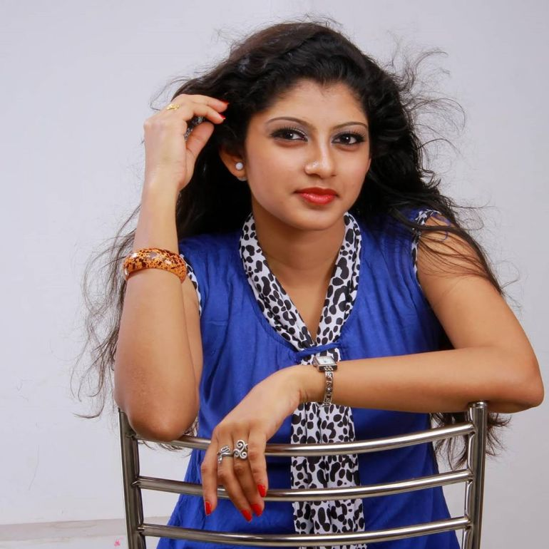 Shruthi Rajanikanth (Sruthi Rajanikanth) Wiki, Age, Biography, Movies, Serial and Beautiful Photos 103