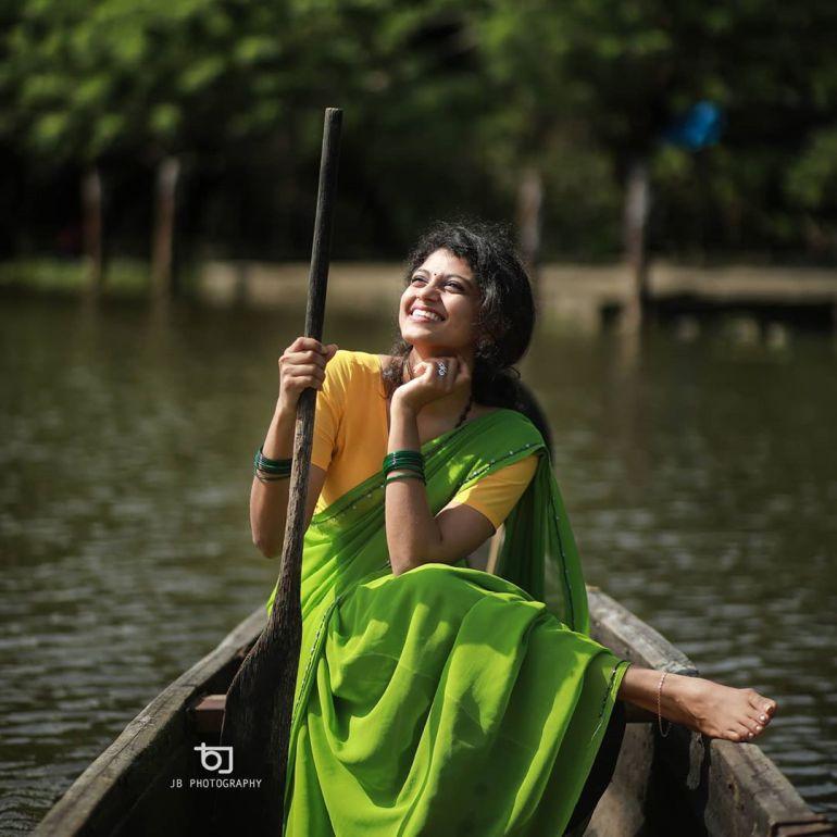 Shruthi Rajanikanth (Sruthi Rajanikanth) Wiki, Age, Biography, Movies, Serial and Beautiful Photos 108