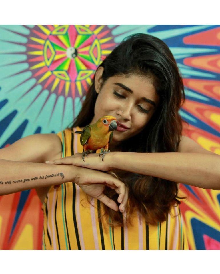 Alexandra Johnson (Big boss Malayalam) Wiki, Age, Biography, Movies, web series, and Gorgeous Photos 94