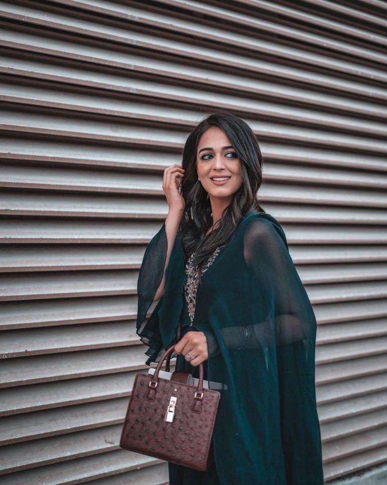 Jumana Khan Wiki, Age, Biography, Movies, Tik Tok, and Gorgeous Photos 90