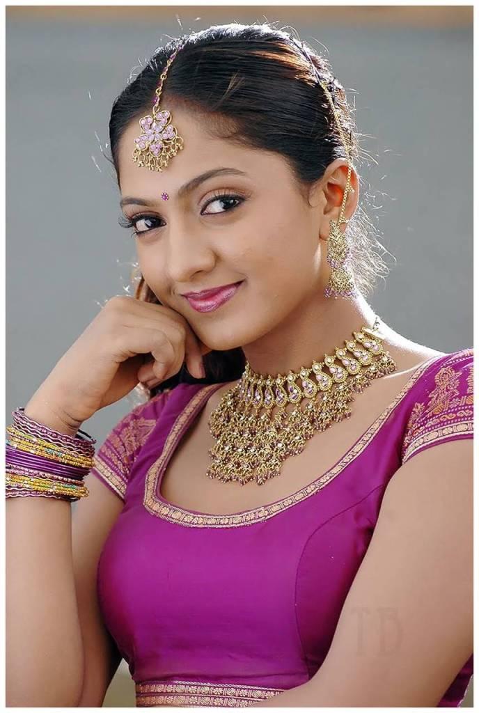 Sheela Kaur Wiki, Age, Biography, Movies, and Beautiful Photos and 113