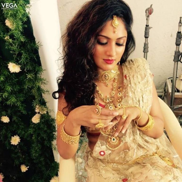 Sheela Kaur Wiki, Age, Biography, Movies, and Beautiful Photos and 107