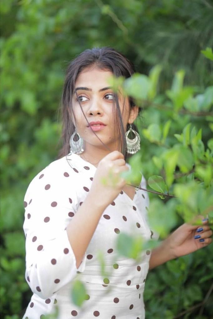 Vidhya Vijayakumar Stunning Photos, Biography, Wiki, Husband, Family, Instagram 16
