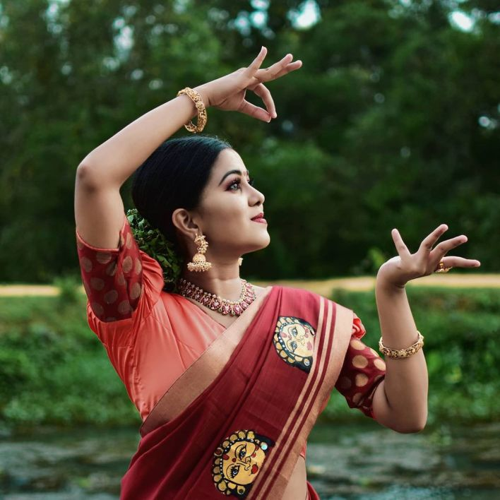 Sruthy Suresh Wiki, Age, Biography, web series and 30+ Beautiful Photos 19