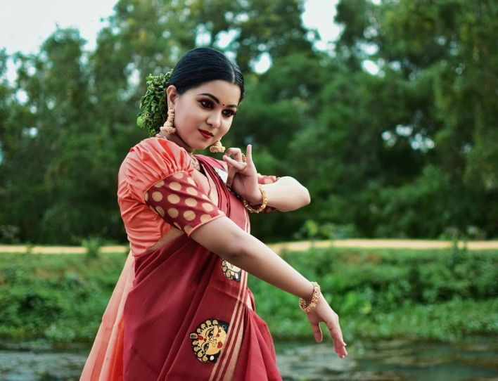 Sruthy Suresh Wiki, Age, Biography, web series and 30+ Beautiful Photos 20