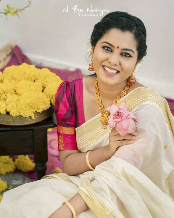 Sruthy Suresh Wiki, Age, Biography, web series and 30+ Beautiful Photos 10