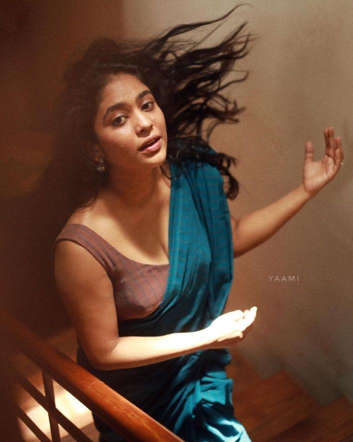 Srindaa/ Srinda 24+ Top Glamorous Photos 16