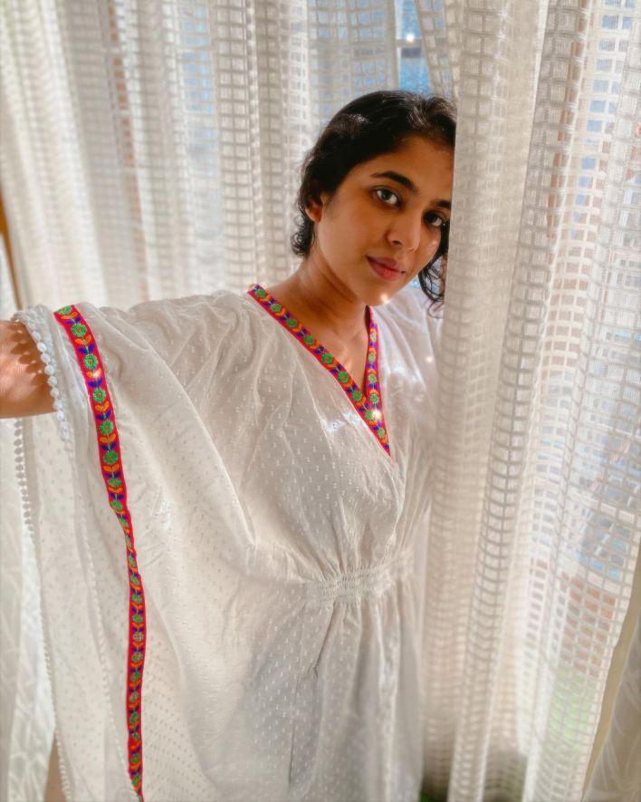 Srindaa/ Srinda 24+ Top Glamorous Photos 6