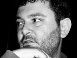 Αλέξανδρος Λιακόπουλος: Έχουμε όλοι μας ανάγκη το παραμύθι για τη δύναμη της αγάπης