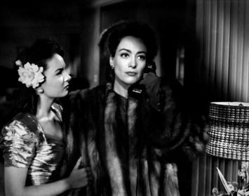 F2 Mildred Pierce (1945) - Θύελλα σε Μητρική Καρδιά