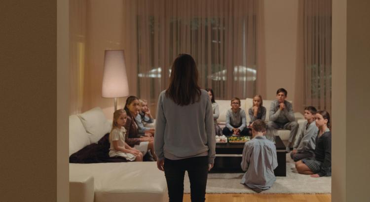Ve středu 27. listopadu uvidí diváci v Klubu Oko Havlíčkův Brod skvělý atmosférický thriller Tiché doteky s českou herečkou Eliškou Křenkovou v hlavní roli